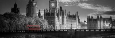 https://imgc.allpostersimages.com/img/posters/london-bus-v_u-L-PXKYMT0.jpg?artPerspective=n