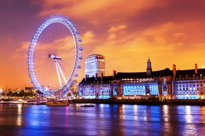 https://imgc.allpostersimages.com/img/posters/london-england-the-uk-skyline-in-the-evening-ilumination-of-the-london-eye-and-the-buildings-next_u-L-Q103NNI0.jpg?p=0