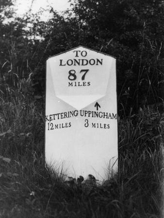 https://imgc.allpostersimages.com/img/posters/london-milestone_u-L-Q107JHC0.jpg?p=0