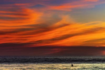 https://imgc.allpostersimages.com/img/posters/lone-surfer-and-sunset-clouds-off-playa-hermosa-surf-beach-santa-teresa-costa-rica_u-L-Q12SDT80.jpg?p=0