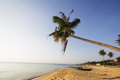 https://imgc.allpostersimages.com/img/posters/long-beach-phu-quoc-island-vietnam-indochina-southeast-asia-asia_u-L-Q12SDAM0.jpg?p=0