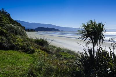 https://imgc.allpostersimages.com/img/posters/long-sandy-beach-abel-tasman-national-park-south-island-new-zealand-pacific_u-L-PQ8STB0.jpg?p=0
