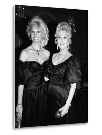 Loni Anderson and Zsa Zsa Gabor