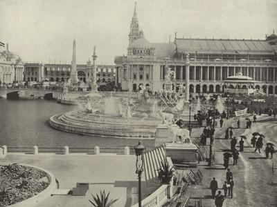 https://imgc.allpostersimages.com/img/posters/looking-south-across-the-grand-plaza_u-L-PPQO3C0.jpg?artPerspective=n