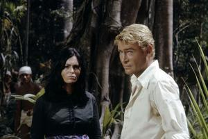 Lord Jim by Richard Brooks with Daliah Lavi and Peter O'Toole, 1965 (photo)
