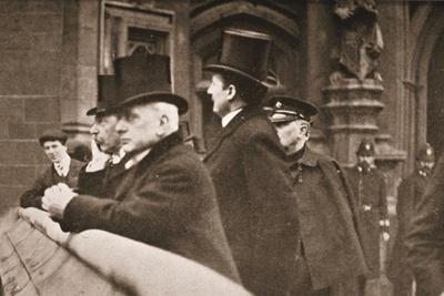 https://imgc.allpostersimages.com/img/posters/lord-rosebery-and-other-members-of-both-houses-watching-the-suffragettes-struggle_u-L-PQ0XNY0.jpg?p=0