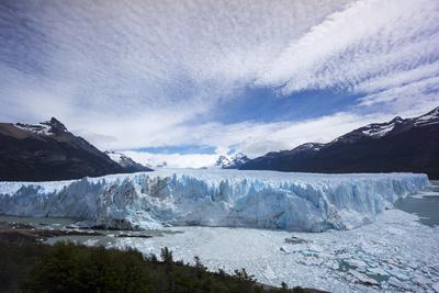https://imgc.allpostersimages.com/img/posters/los-glaciares-national-park-argentina_u-L-PWFB2Y0.jpg?p=0