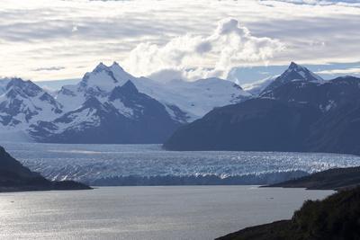 https://imgc.allpostersimages.com/img/posters/los-glaciares-national-park-patagonia-argentina_u-L-PWFK5R0.jpg?p=0
