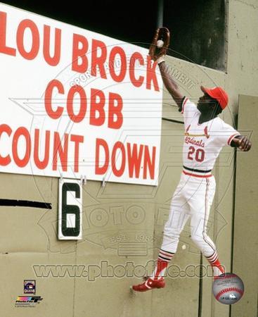 Lou Brock #20 of the St. Louis Cardinals