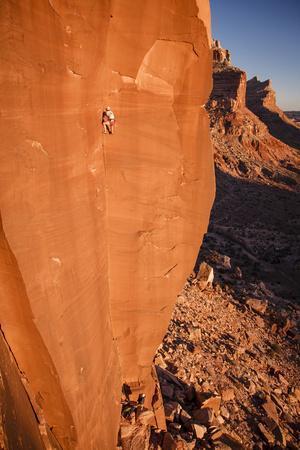 A Skilled Climber Takes a Lap, Dylan Wall, San Rafael Swell, Utah