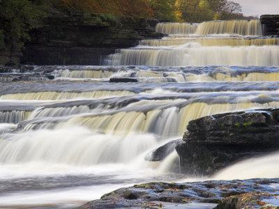 https://imgc.allpostersimages.com/img/posters/lower-aysgarth-falls-and-autumn-colours-near-hawes-wensleydale-yorkshire-england_u-L-P2R2ST0.jpg?p=0