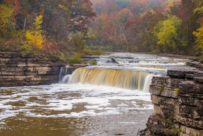 https://imgc.allpostersimages.com/img/posters/lower-cataract-falls-on-mill-creek-in-autumn-at-lieber-sra-indiana_u-L-PU3F9U0.jpg?artPerspective=n