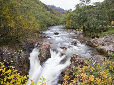 https://imgc.allpostersimages.com/img/posters/lower-falls-on-the-water-of-nevis-in-autumn-glen-nevis-near-fort-william_u-L-P91I3Z0.jpg?p=0