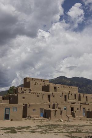 New Mexico, Taos. Taos Pueblo, Pre Hispanic Architecture