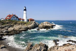 Lighthouse in Portland, Maine by LuciaP