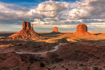 Monument Valley, Arizona by lucky-photographer