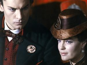 LUDWIG / LE CREPUSCULE DES DIEUX, 1972 directed by LUCHINO VISCONTI Helmut Berger and Romy Schneide