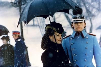 https://imgc.allpostersimages.com/img/posters/ludwig-le-crepuscule-des-dieux-1972-directed-by-luchino-visconti-romy-schneider-and-helmut-berge_u-L-Q1C19SW0.jpg?artPerspective=n