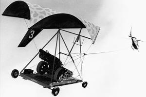 LUG Flex-Wing Light Utility Glider Carrying Field Gun