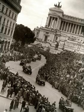 Parade of Italian Military Units in the Piazza Venezia, Rome by Luigi Leoni