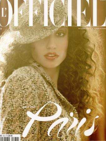L'Officiel, 2004 - Suzanne Pots Porte un Manteau Manches Trois-Quarts en Autruche, Louis Vuitton by Luis Sanchis