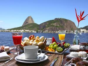 Breakfast In Rio De Janeiro by luiz rocha