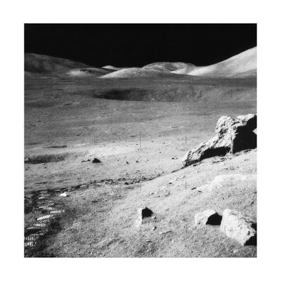 https://imgc.allpostersimages.com/img/posters/lunar-landscape-apollo-17-mission_u-L-PYYG8T0.jpg?artPerspective=n