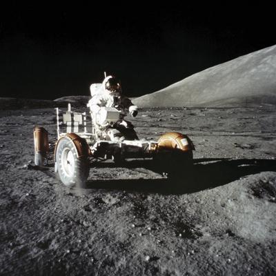https://imgc.allpostersimages.com/img/posters/lunar-rover_u-L-F9IF0S0.jpg?artPerspective=n