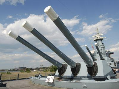 Guns on the USS North Carolina Battleship Memorial, Wilmington, North Carolina