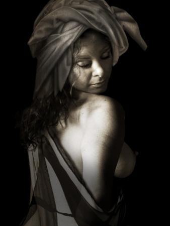 Oondu by Lynne Davies
