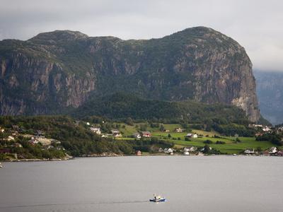 https://imgc.allpostersimages.com/img/posters/lysebotn-lysefjorden-rogaland-norway-scandinavia-europe_u-L-PFO2EF0.jpg?p=0
