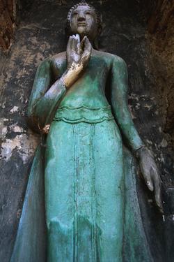 Buddha Statue at Wat Maha That by Macduff Everton