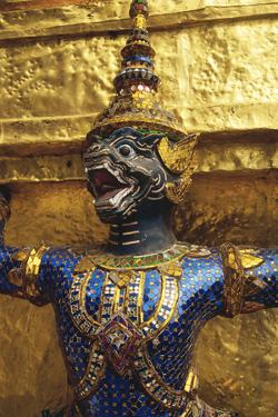 Guardian Sculpture at the Grand Palace by Macduff Everton