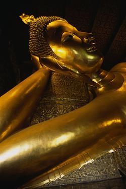 Reclining Buddha Statue by Macduff Everton