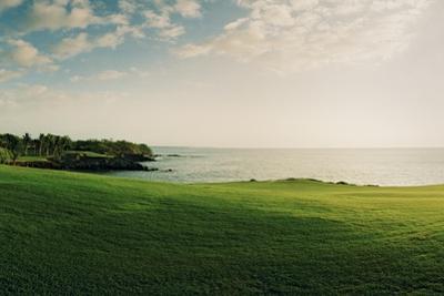The Mauna Kea Golf Course on Hawaii by Macduff Everton