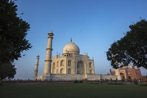 The Taj Mahal and Guesthouse by Macduff Everton