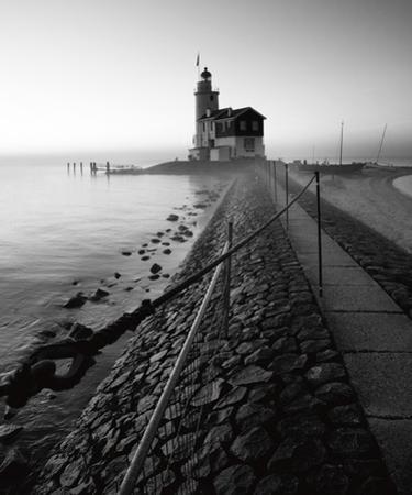 Lighthouse by Maciej Duczynski