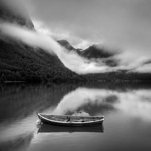 Norway by Maciej Duczynski