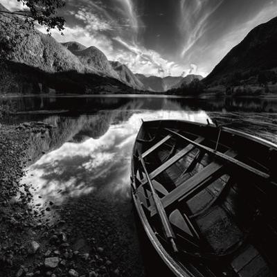 Rowing Boat by Maciej Duczynski