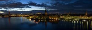 Stockholm by Night by Maciej Duczynski