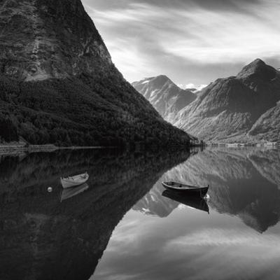 Symmetry by Maciej Duczynski
