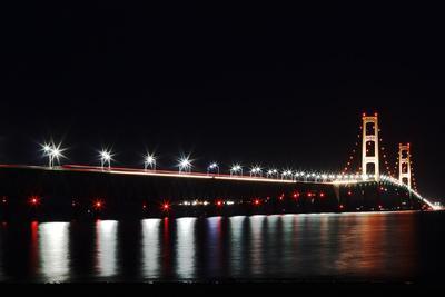 https://imgc.allpostersimages.com/img/posters/mackinac-bridge-at-night_u-L-Q104C4H0.jpg?p=0