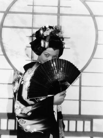 https://imgc.allpostersimages.com/img/posters/madame-butterfly-sylvia-sidney-1932_u-L-PTAGQL0.jpg?artPerspective=n