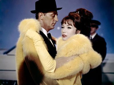 https://imgc.allpostersimages.com/img/posters/madame-croque-maris-what-a-way-to-go-by-leethompson-with-robert-michum-and-shirley-maclaine-1964_u-L-Q1C2FXZ0.jpg?artPerspective=n