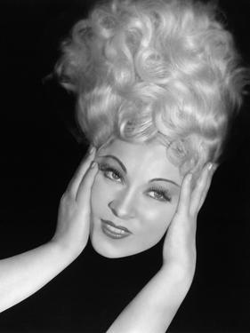 Mae West, 1932