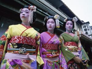 Maiko Girls, Kyoto, Japan