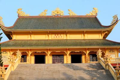 https://imgc.allpostersimages.com/img/posters/main-hall-dai-tong-lam-tu-buddhist-temple-ba-ria_u-L-Q1GYG570.jpg?artPerspective=n