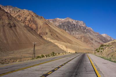 https://imgc.allpostersimages.com/img/posters/main-road-atacama-desert-argentina_u-L-PWFFD70.jpg?p=0
