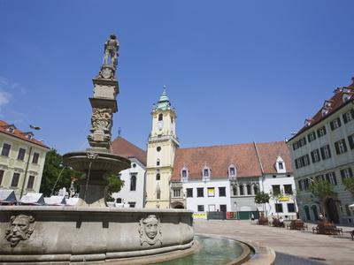https://imgc.allpostersimages.com/img/posters/main-square-hlavne-namestie-old-town-bratislava-slovakia-europe_u-L-PFND5Q0.jpg?p=0