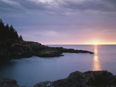 https://imgc.allpostersimages.com/img/posters/maine-acadia-national-park-sunrise-over-the-atlantic-ocean_u-L-PU3G2I0.jpg?p=0